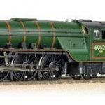 Review: Bachmann 31-528A Class A2 60529 'Pearl Diver' BR Lined Green Late Crest
